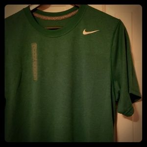 NIKE DRI-FIT green t-shirt